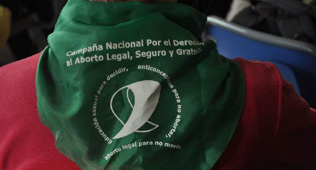 ¿Qué piensan los candidatos sobre el derecho al aborto?