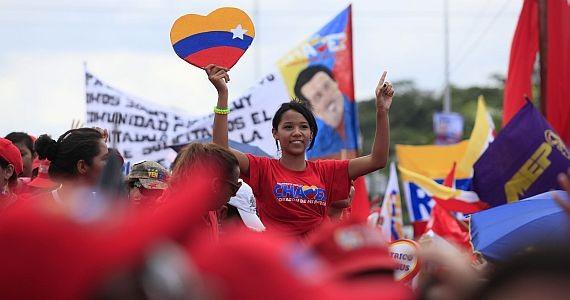 """""""No abruman las intemperies cuando el pueblo se sabe en camino"""". Venezuela y la convocatoria a la Asamblea Nacional Constituyente"""