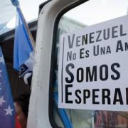 Solidaridad con Venezuela frente a la embajada de EEUU