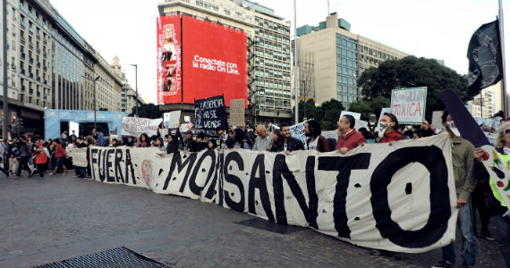 Entre el modelo del agronegocio y la soberanía alimentaria