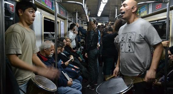 No me verás en el subte: crónica del espectáculo arriba del tren (II)