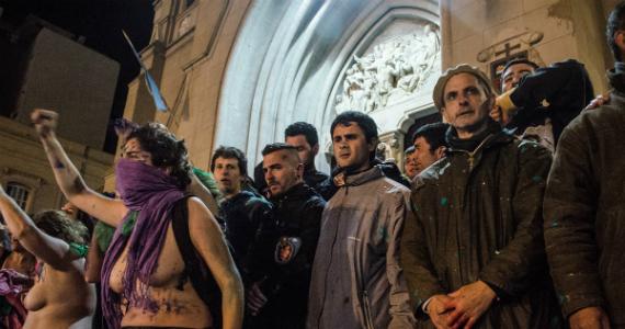 Represión en el ENM: la hipocresía también es violencia