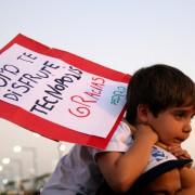 Una multitud despidió a Tecnópolis con abrazos