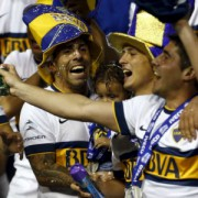 La cabeza de Tévez y la camiseta de Boca ganan el campeonato