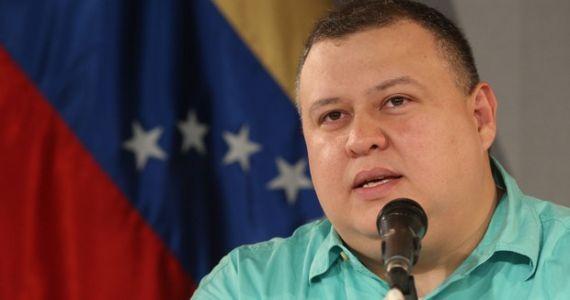 """Iturriza, ministro de Cultura venezolano: """"Le vamos a dedicar la victoria al pueblo argentino"""""""