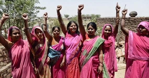 Gulabi Gang: a palos con el machismo