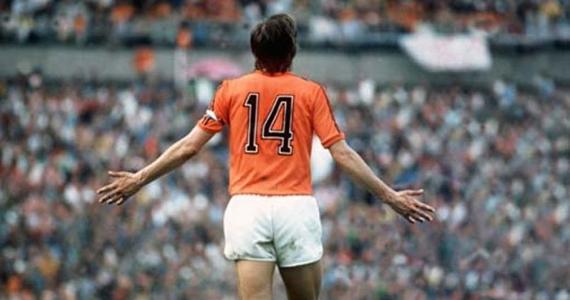 Adiós a Cruyff y al arte de jugar con el cerebro