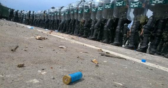 Días y noches que estremecen: apuntes sobre la represión