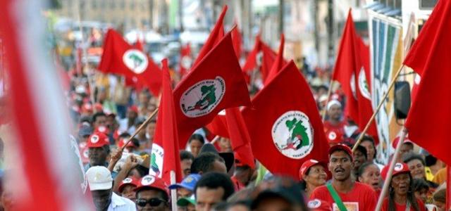 Brasil: el MST exigejusticia por el asesinato de dos campesinosen ataque policial a campamento