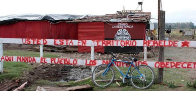 """En Rosario intentan frenar el desalojo del Tambo """"La Resistencia"""""""