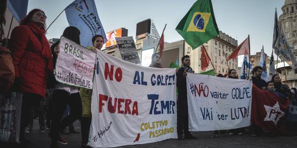 Movilización en la Argentina contra la destitución de Dilma Rousseff