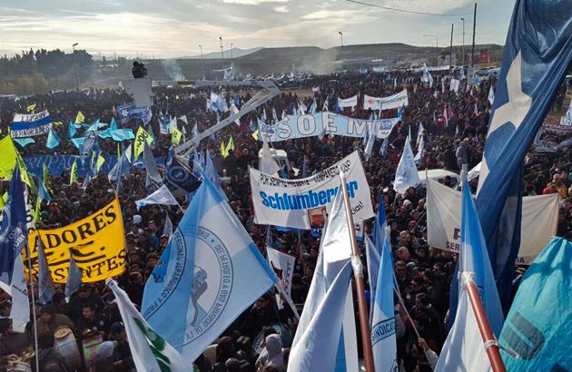 La masiva movilización por el trabajo paralizó Comodoro Rivadavia