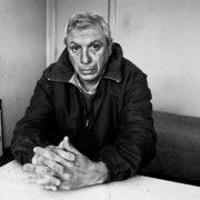 Poetas internados: Acorralado entre las sombras