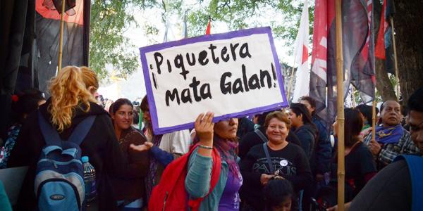 #JunioArdeRojo (y violeta): cuando la pasión piquetera también es feminista