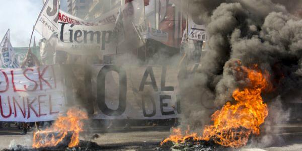 """Tiempo Argentino: """"Estamos en las calles así la gente puede seguir leyéndonos"""""""