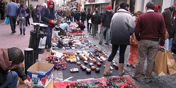 San Telmo: violencia estatatal en la feria de la calle Defensa
