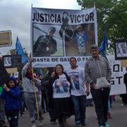"""Violencia policial: marchan en el barrio """"La Catanga"""" por el asesinato de Víctor"""