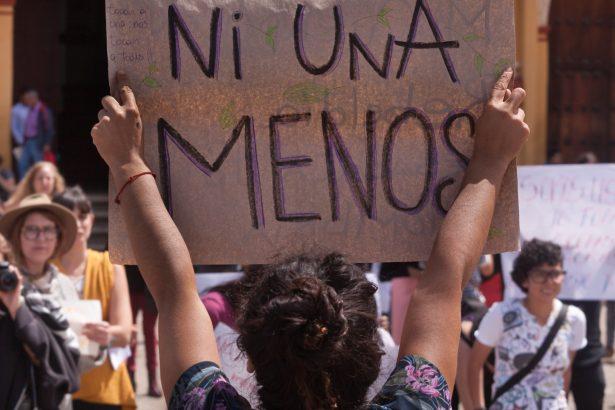 19-10-2016 - Concentración en el zocalo de San Cristobal de las Casas, Chiapas, México, en apoyo al paro nacional de mujeres en Argentina.