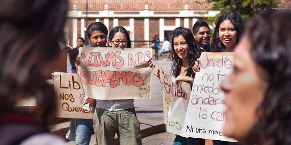 """México. Aullidos feministas contra los """"asesinos, machos, burgueses"""""""