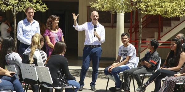 """El simulacro PRO en una escuela de Lugano: """"Se llevaron el generador, las sillas, los pibes y pibas"""""""