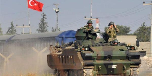 Turquía bombardea a los kurdos mientras le sonríe al mundo