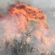 El Gobierno se toma vacaciones, mientras la Argentina arde y se inunda