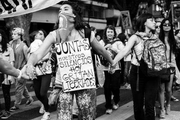 Lo irreversible de la lucha. Denuncian al periodista Lucas Carrasco por acoso y violencia sexual