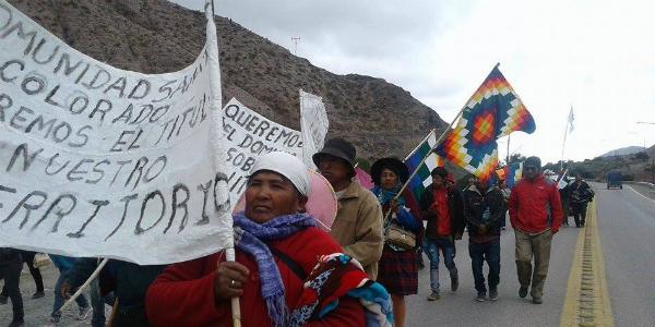 """Marcha indígena en Jujuy: """"Por la vida en nuestros territorios"""""""