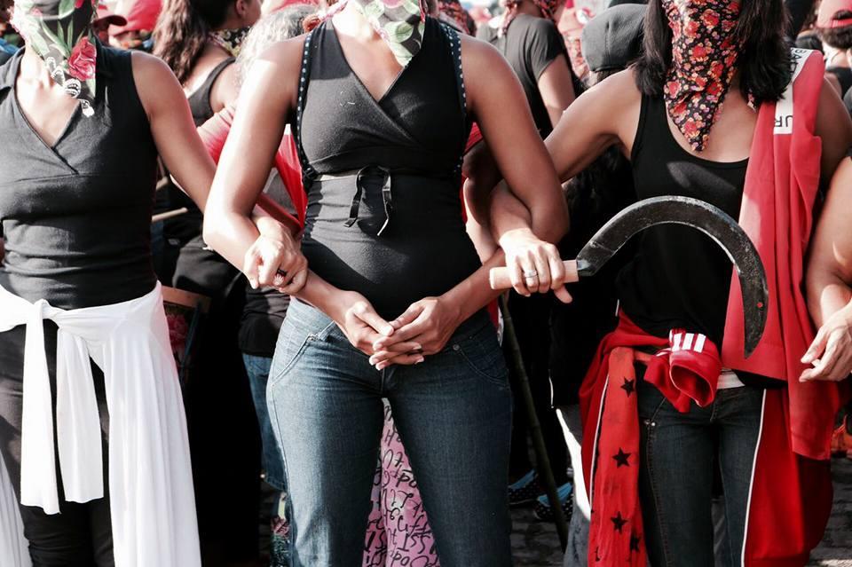 Mujeres Sin-Tierra paralizan la minera Vale por deudas en la Seguridad Social