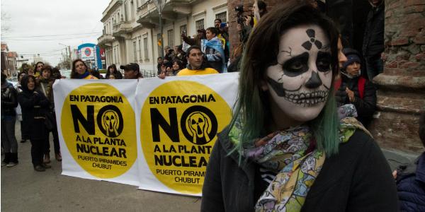 Viedma se mueve contra la planta nuclear y el gobierno no piensa en el futuro