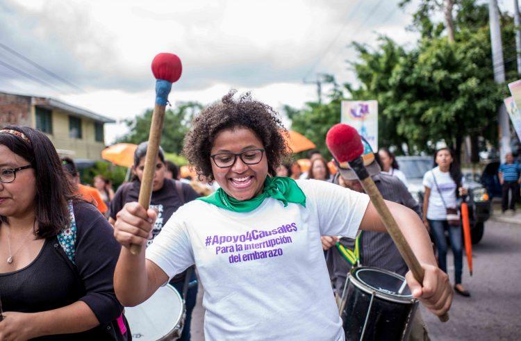 """28 de septiembre en El Salvador: """"¡Que se aprueben las 4 causales!"""""""