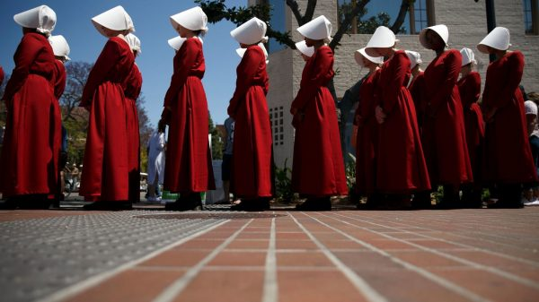 The Handmaid's Tale: Futuros poco alentadores en un presente distópico