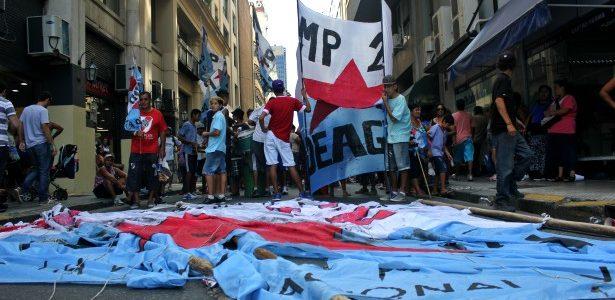 Protestas de los Movimientos Populares, organizados contra el hambre y la exclusión