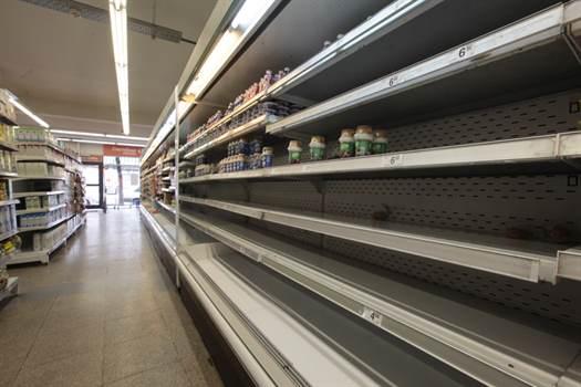 Ajuste en supermercados: despidos y cierre de locales