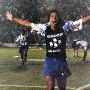 """""""El agua y el pez"""": la Memoria pintada en una camiseta de fútbol"""