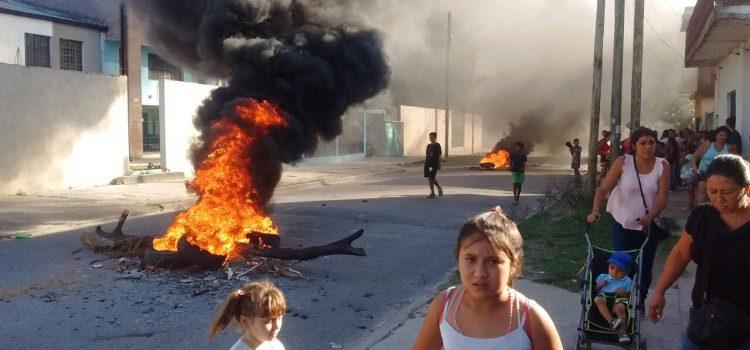 Las mujeres de Barrio Frino al frente de la lucha por la Educación Pública