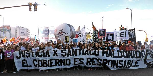 """Acto por Santiago Maldonado: """"¿Qué esperan para marcharse los dueños de la muerte?"""""""