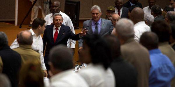 """""""La Revolución cubana sigue de verde olivo para vencer todos los combates"""", Miguel Díaz-Canel, nuevo presidente de Cuba"""