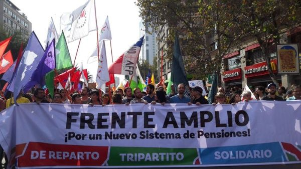 """Entrevista a vocero de Frente Amplio de Chile: """"Derrotar el neoliberalismo es nuestra única opción"""""""