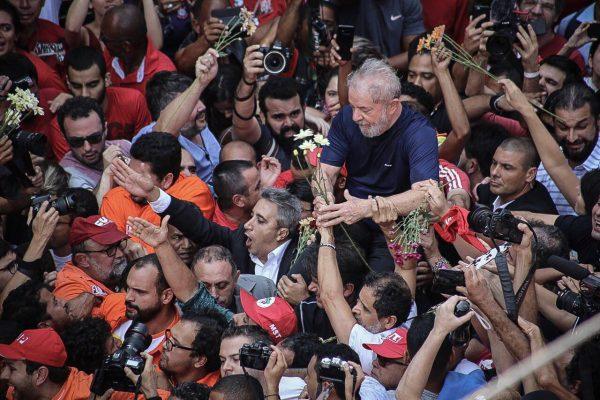 """Lula da Silva: """"La muerte de un combatiente no para la revolución"""""""