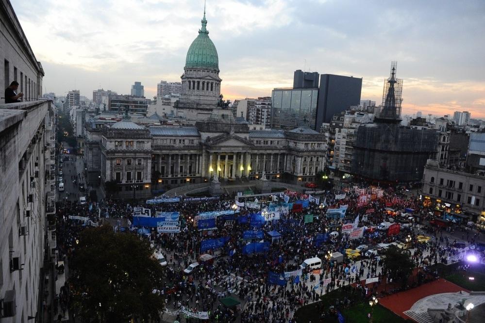 Un ataque al corazón neoliberal: se organiza la resistencia frente al ajuste de Macri y el FMI