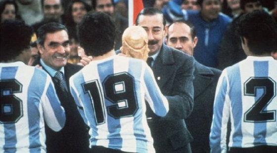 Tribuna sin pueblo: una mirada político futbolera del Mundial 1978