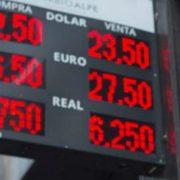 Jueves negro: medidas económicas para que festejen los banqueros