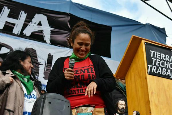 Dina Sanchez ayer habló fuerte y hoy fue amenazada