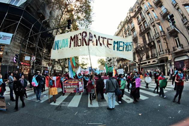 Ni una migrante menos: ¡vivas, libres y sin racismo nos queremos!