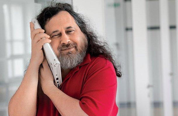 Richard Stallman en Argentina, hacia el uso de programas libres y comunidades de usuarios