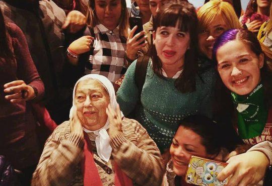 """El Pañuelo de las Madres en Moreno,  """"la justicia es no quedarnos calladas, no tengamos miedo"""""""