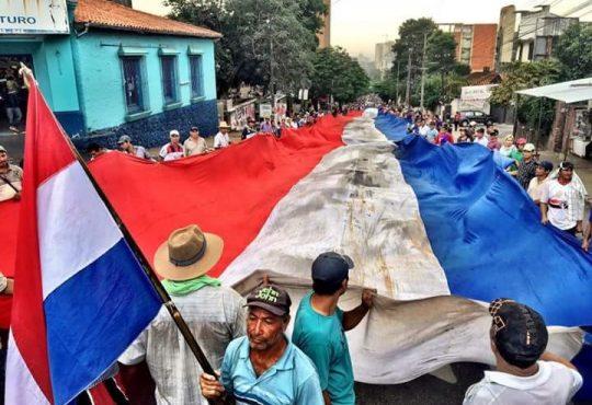 Paraguay: Entre leyes de la dictadura y protestas, asume Abdo Benítez a la presidencia