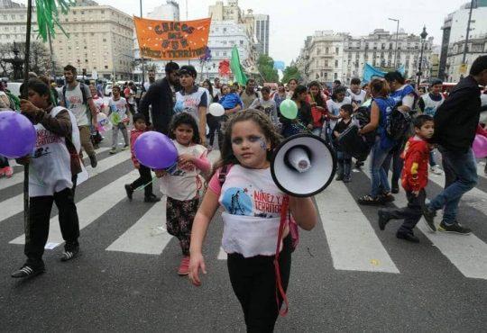 """La Niñez no se ajusta: """"Proponemos la ternura como acción política, aunque suene ingenuo"""""""
