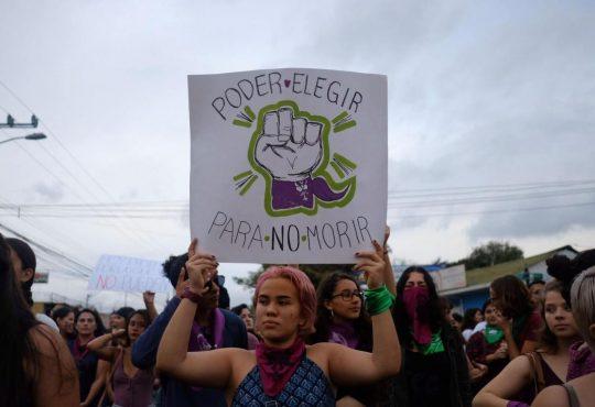 En Costa Rica aquí estamos, en pie de lucha